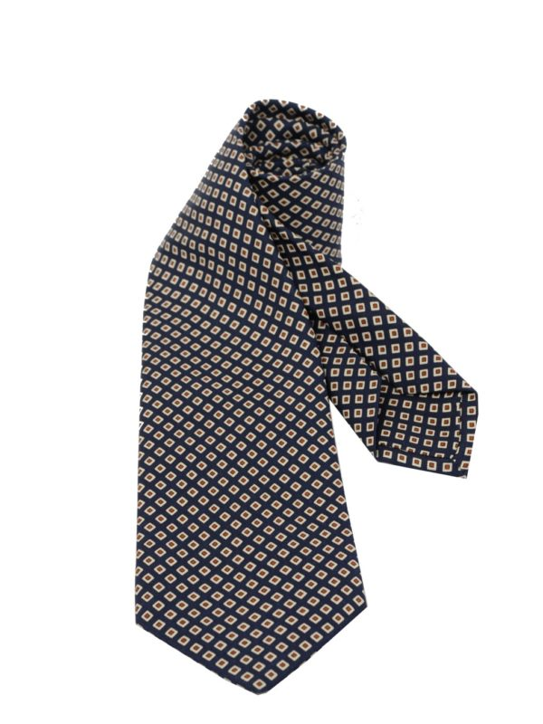 Petronius sevenfold tie